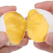 Abracadabra ! Cet œuf va se transformer en dessert