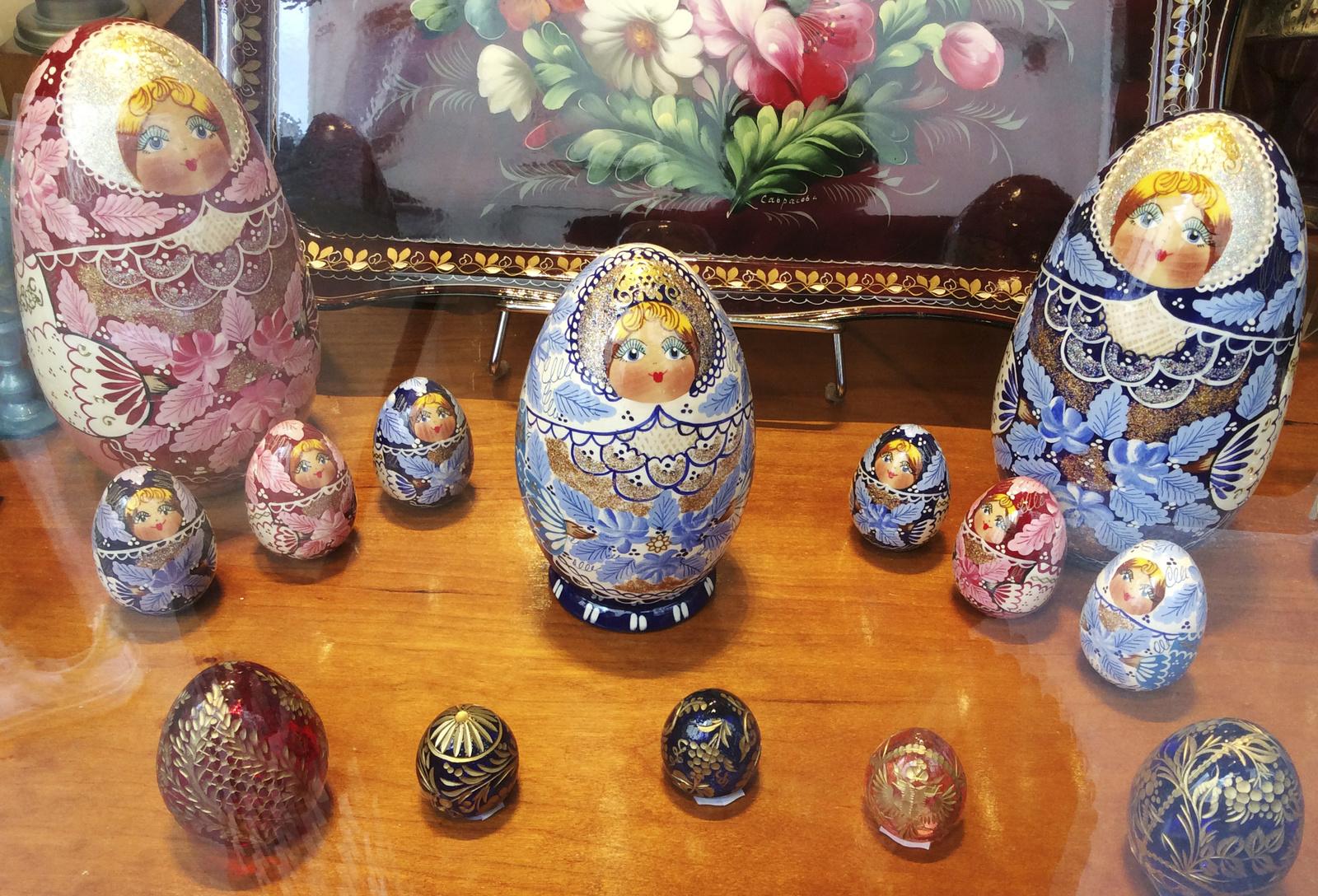 Pâques J-6 / Découverte : des &quot&#x3B;matriochka&quot&#x3B; en forme d'oeuf...
