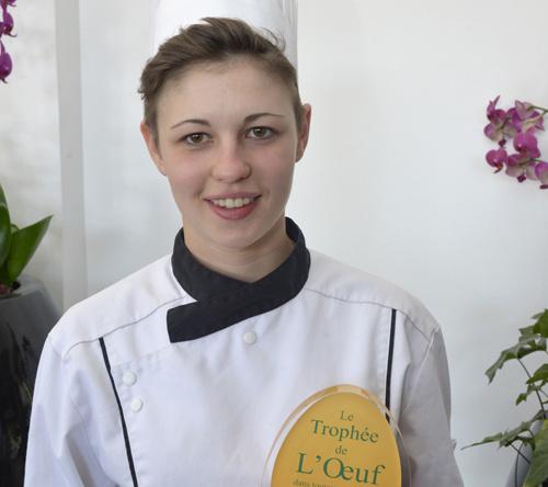 Avec sa recette « l'œuf au plat à la vaudoise » la très jeune Albane Auvray est lauréate du Trophée :
