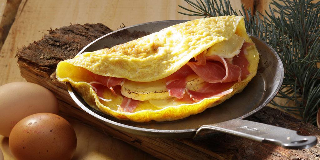 Omelette au reblochon et jambon de pays - Ph.ASSET / CNPO / ADOCOM-RP