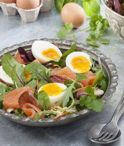 Œufs mollets sur salade folle - Ph. Asset - CNPO - Adocom-RP